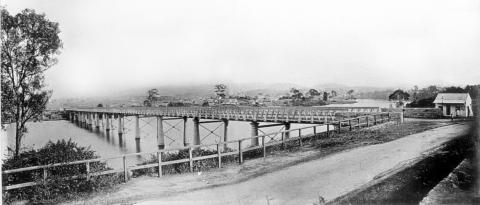 View of Victoria Bridge in early Brisbane history