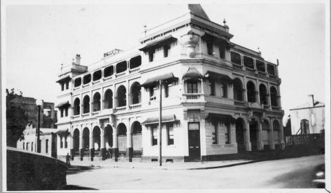 Exterior of a grand old hotel in Rockhampton seen from across the road