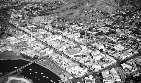 Aerial photo of Townsville c1966