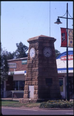 Sir Thomas Mitchell Memorial Clock, Blackall