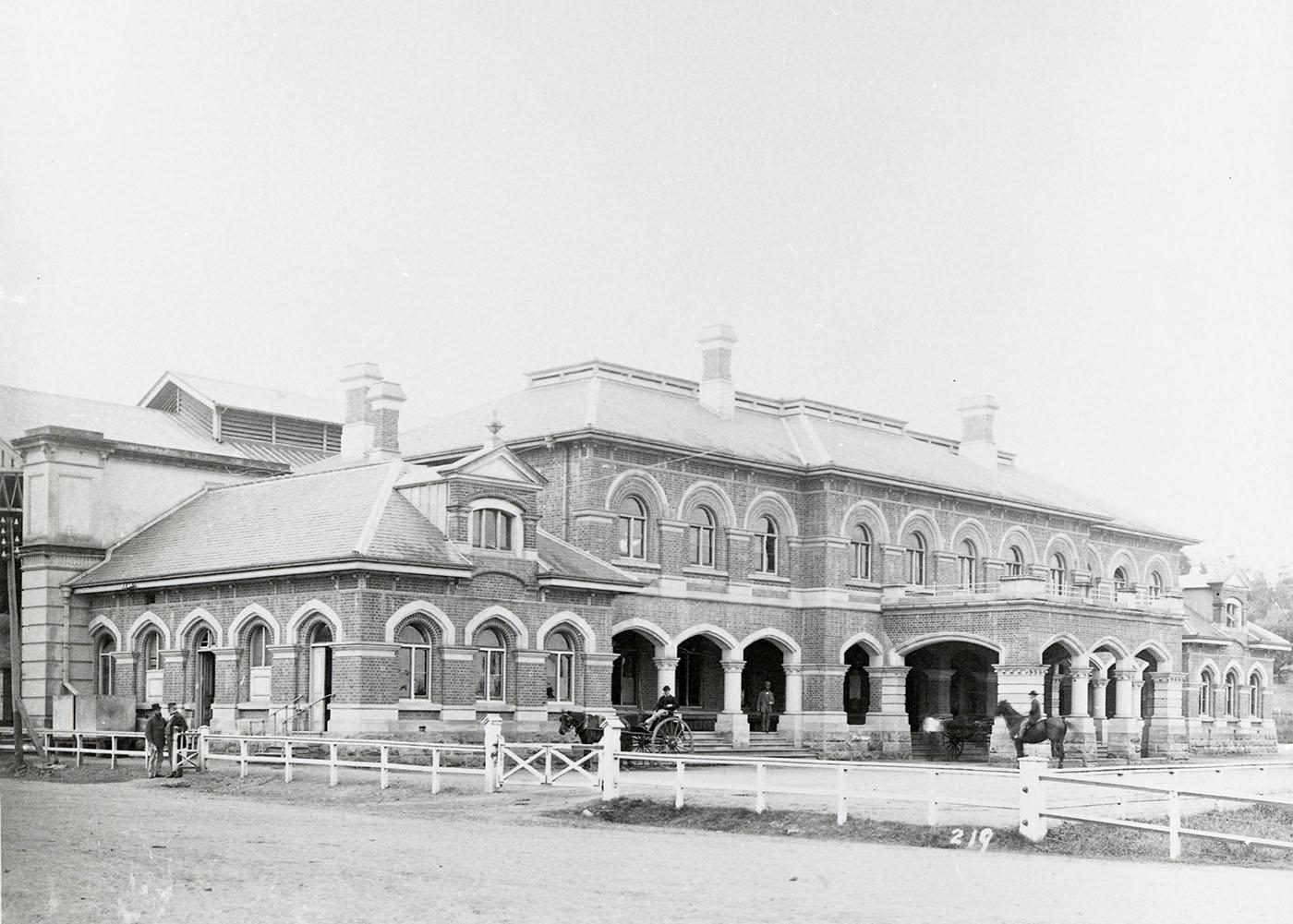 Exterior of Roma Street train stations