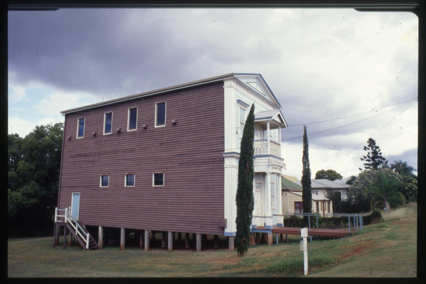 Childers Isis Masonic Lodge - Side view