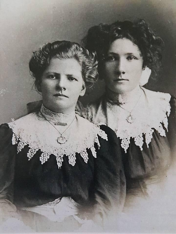 Beryl and Ruby Campbell