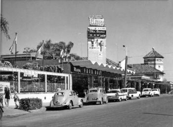 Cavill Avenue in the 1960s