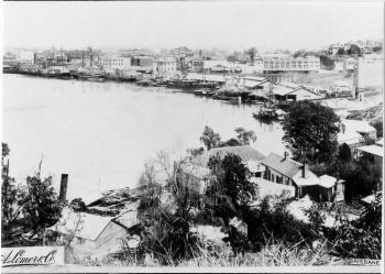 Sweeping view of the northern banks of the Brisbane River