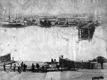 Victoria Bridge partially washed away by flood waters, 1893