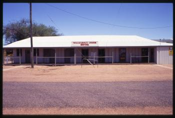 Walkabout Creek Hotel, McKinlay